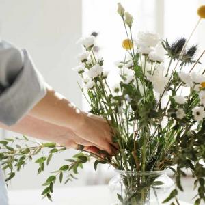 注文住宅の家白い花