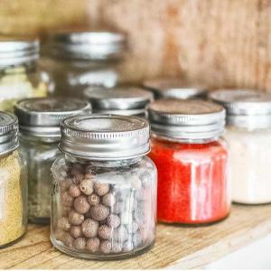 輸入住宅キッチン棚スパイスの瓶